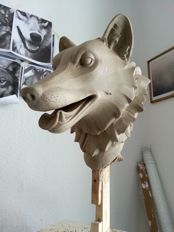 Wolf WIP - Animal Watching Exhibition – Sculpture by David Moreno