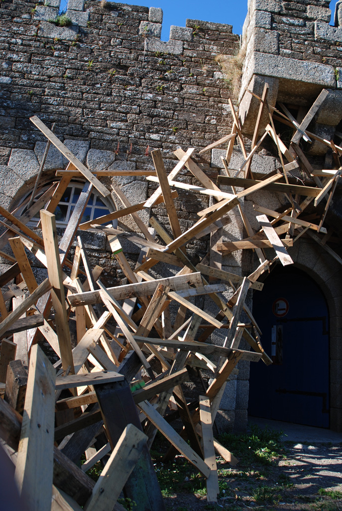 Mutinerie - Installation Art by Simon Augade