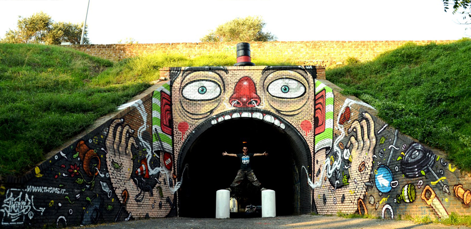 Mister Thoms: Murals of Funny Charactersarthaus