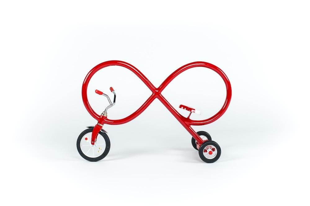 Infinity (Mini Trike) - Sculpture by Sergio Garcia