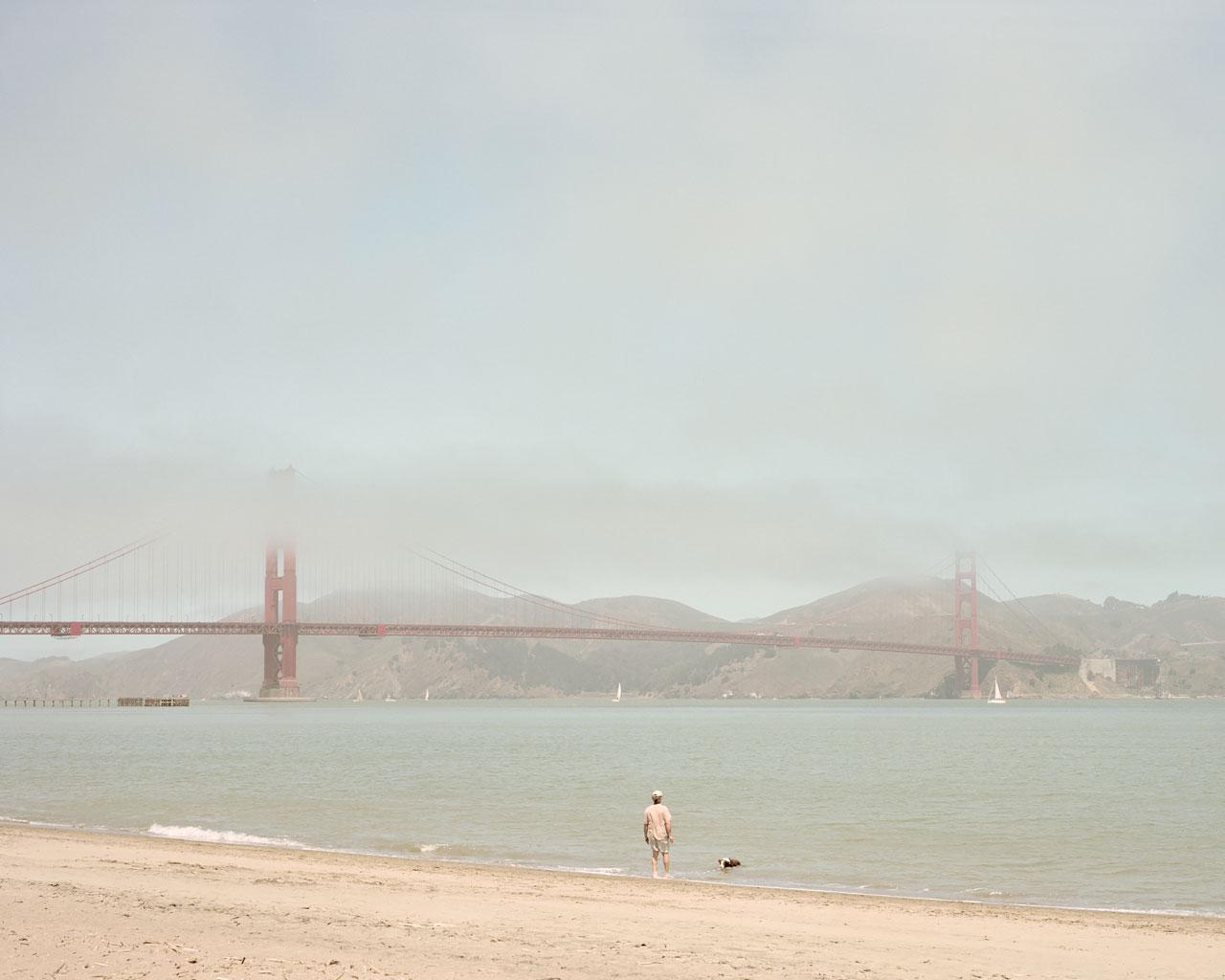 Walking the dog, San Francisco, CA, USA - Photo by Ákos Major