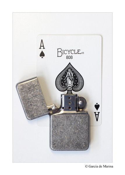 Playing Card Lighter - Photo by García de Marina