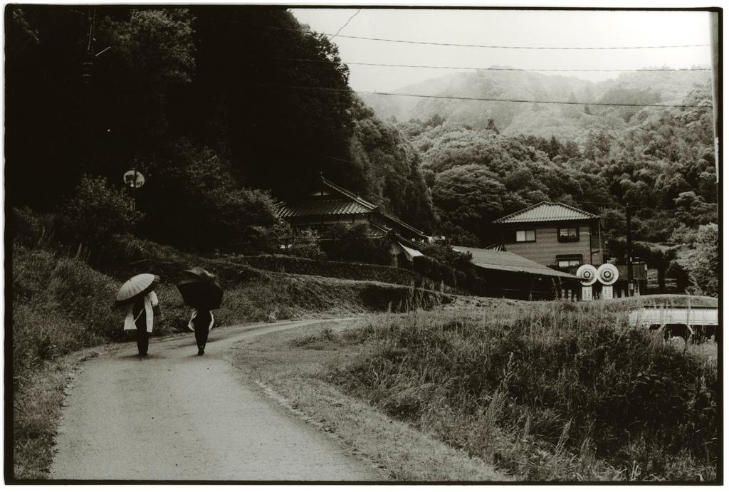 To Funeral - Photo by Junku Nishimura