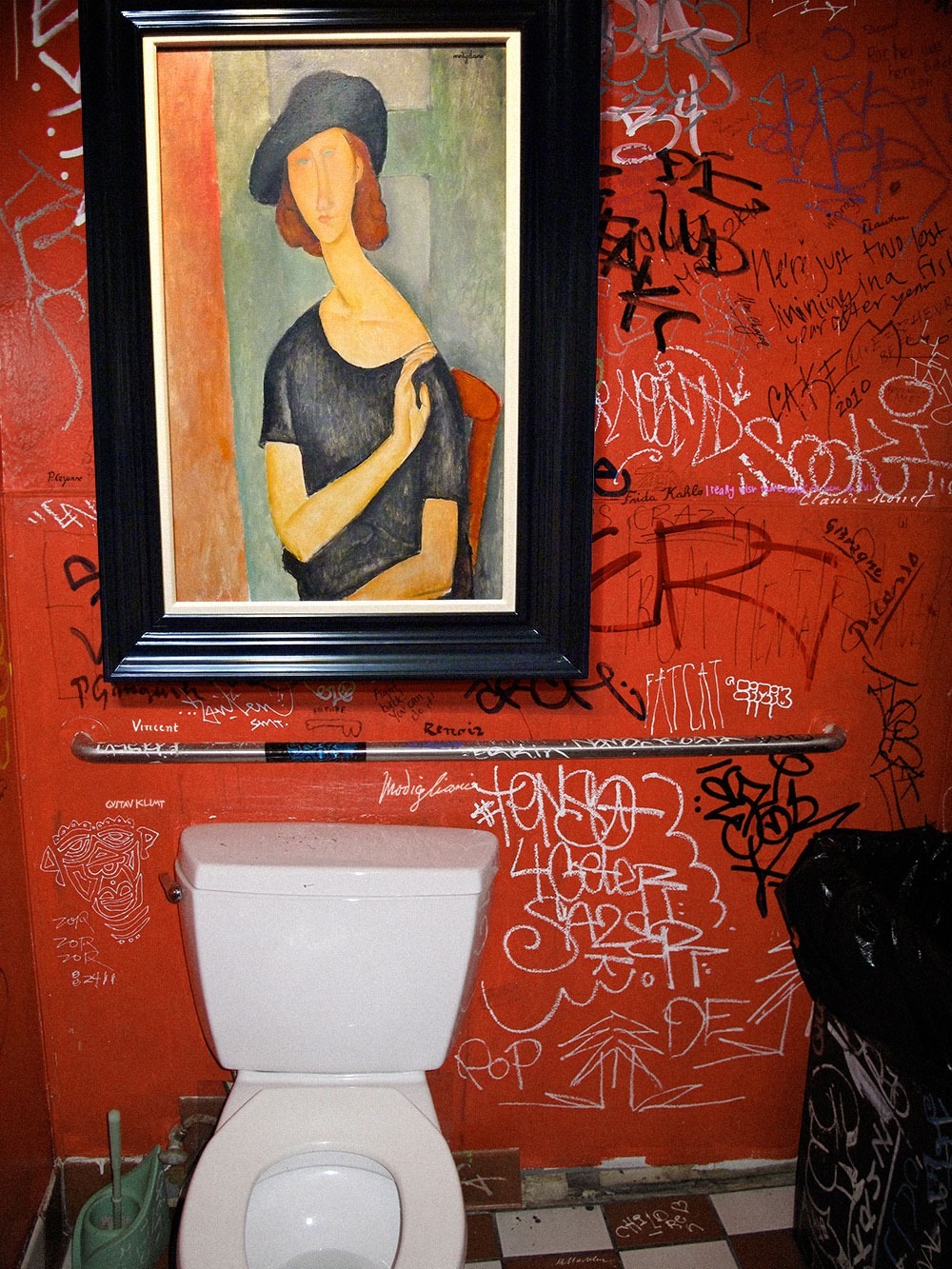 Amedeo Modigliani, in Restroom with Graffiti - Great Art in Ugly Rooms - GAiUR
