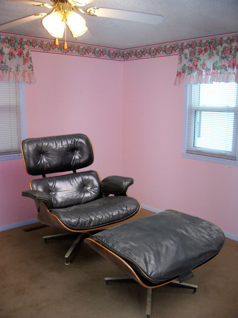 Charles & Ray Eames Lounge Chair, in Pink Room - Great Art in Ugly Rooms - GAiUR
