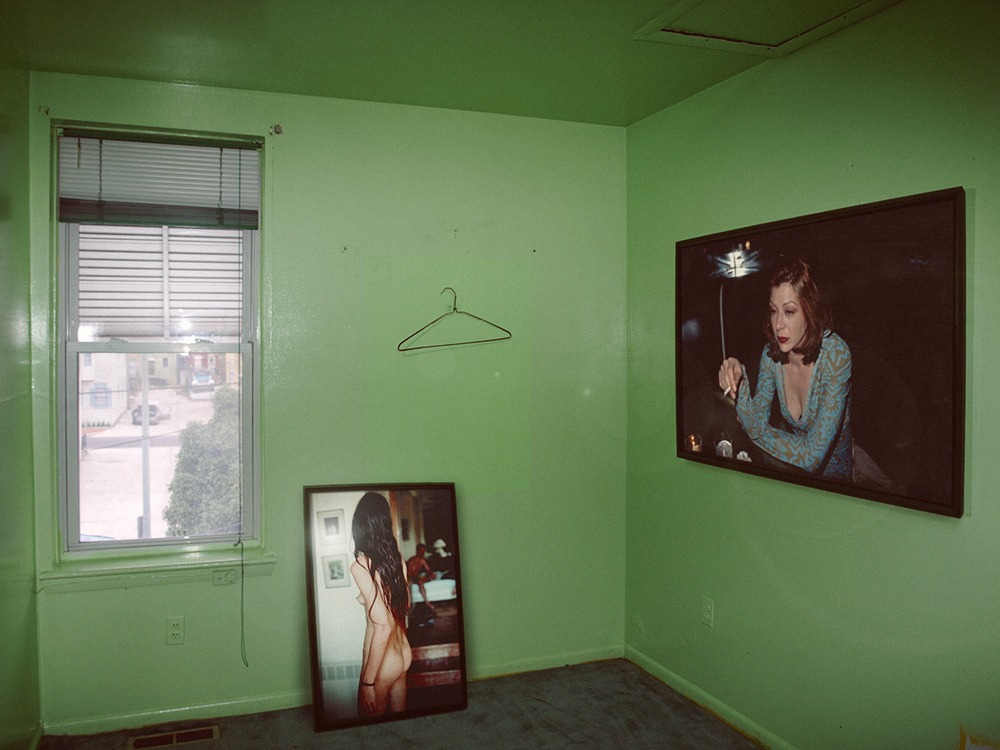 Nan Goldin, in a Green Room - Great Art in Ugly Rooms - GAiUR